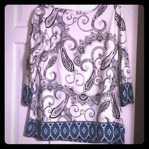 Paisley white and black top
